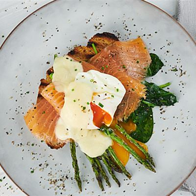 Eggs florentine with smoked salmon