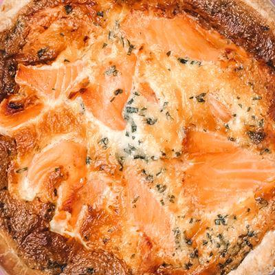 Smoked salmon & asparagus quiche